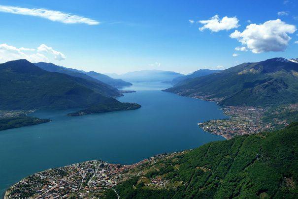Parapendio sul Lago di Como